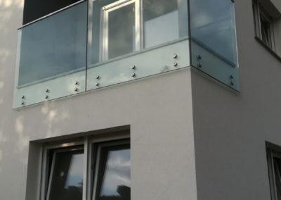 Staklena ograda na spajdere – vanjska