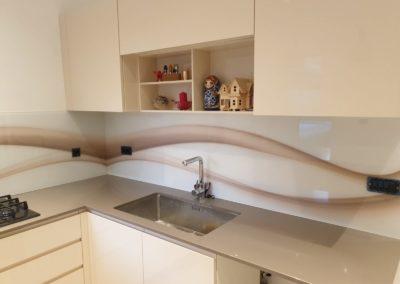 Uzorci staklenih obloga za kuhinje